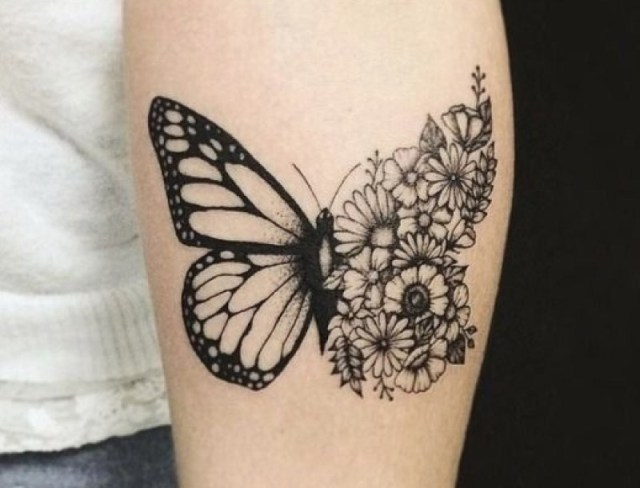 beautiful butterfly mehndi design