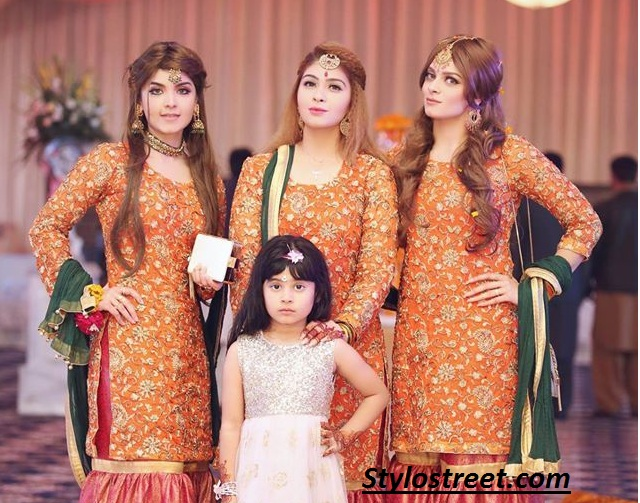 Latest Pakistani Girls Mehndi Dresses 2018,19 For Women