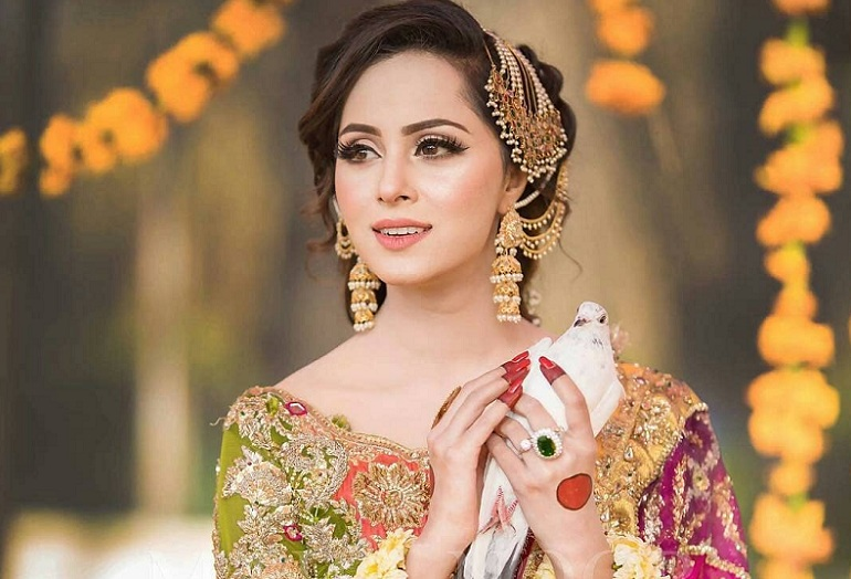 Mayo Dresses Designs in Pakistan for Mehndi functions 2020